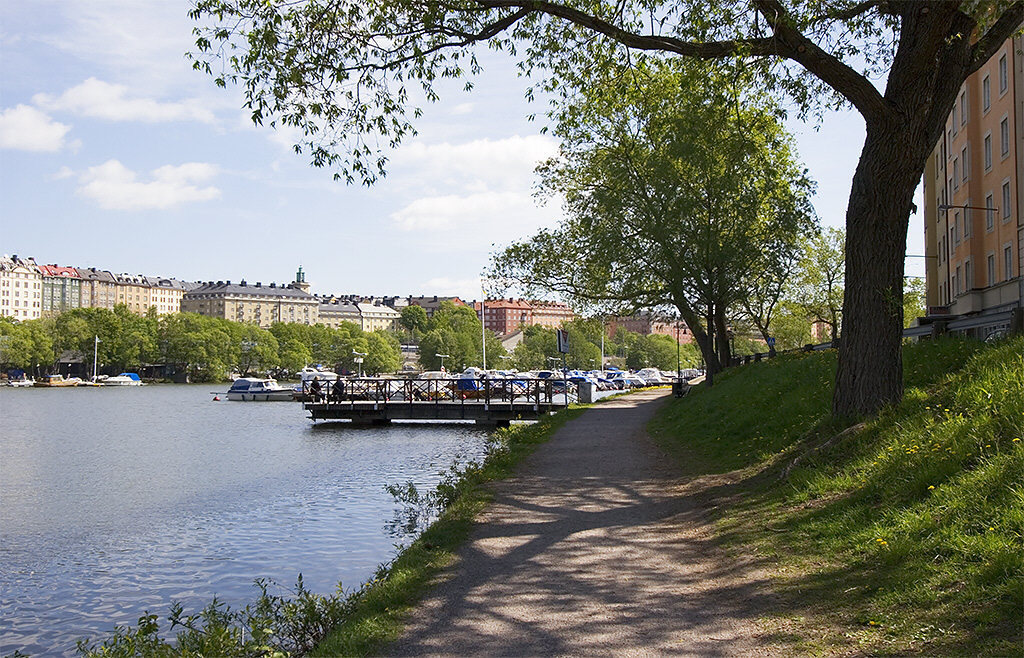 The water promenade, perfect for running