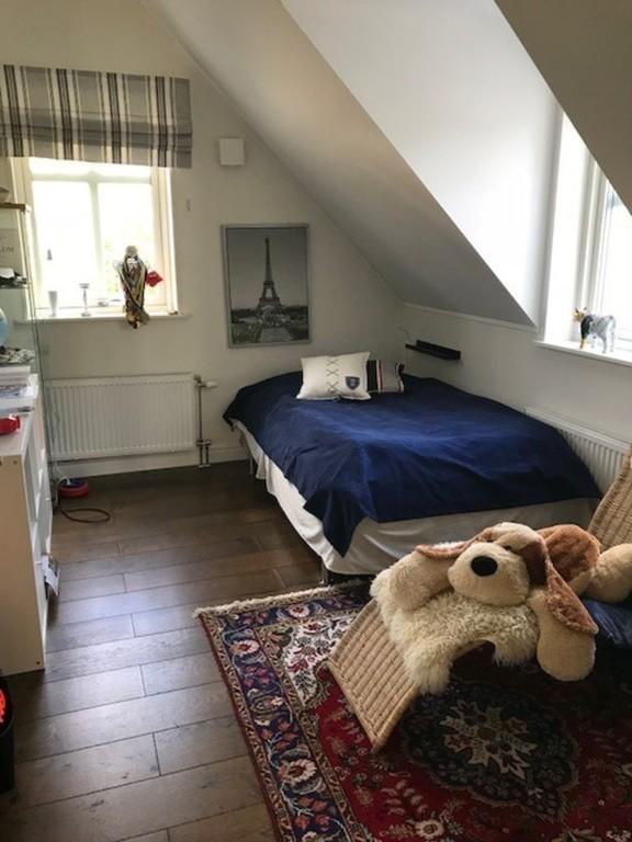 Child's bedroom 2