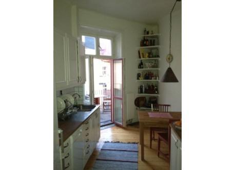 Kitchen with dooor to balkony