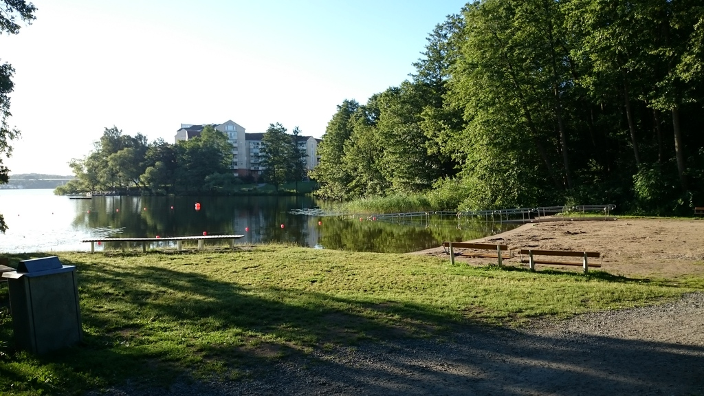15-20 minutes walk (1,5 km) from our home is a wonderful little bathing place where I take my morning swim in the summer.