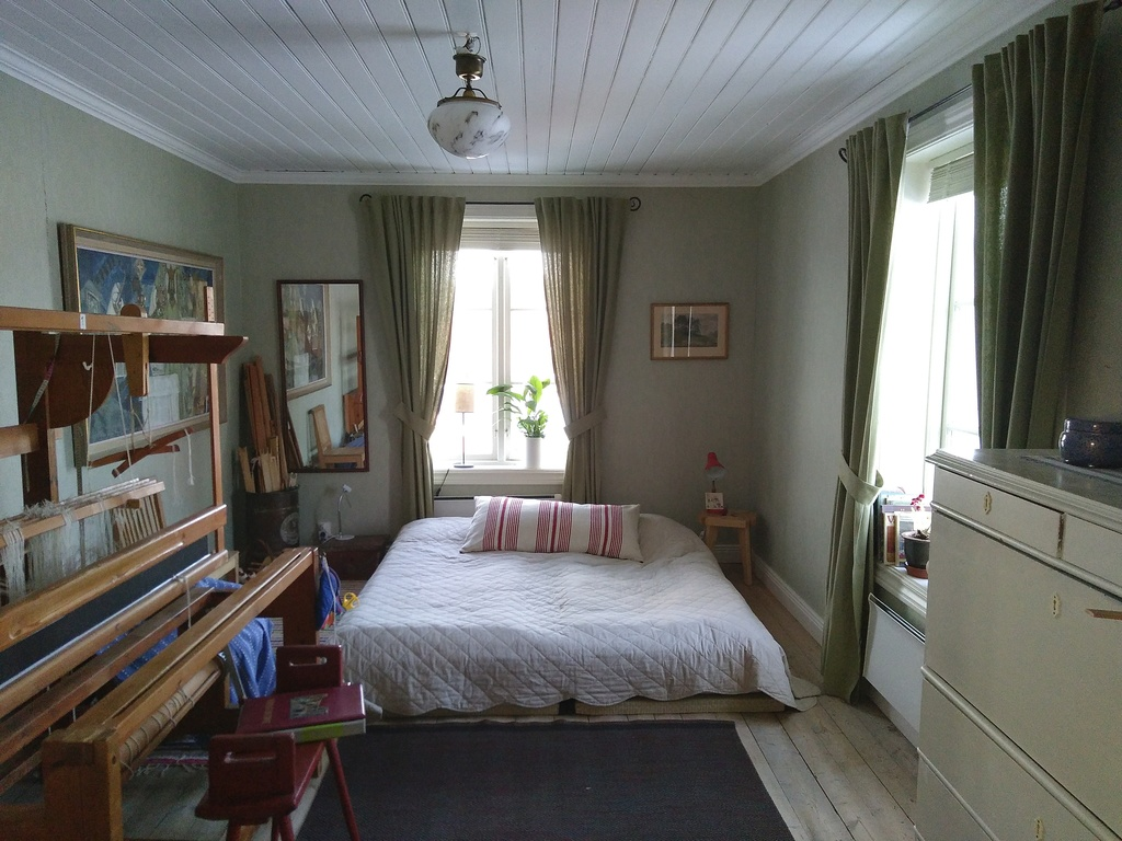 Bedroom no 3 with loom