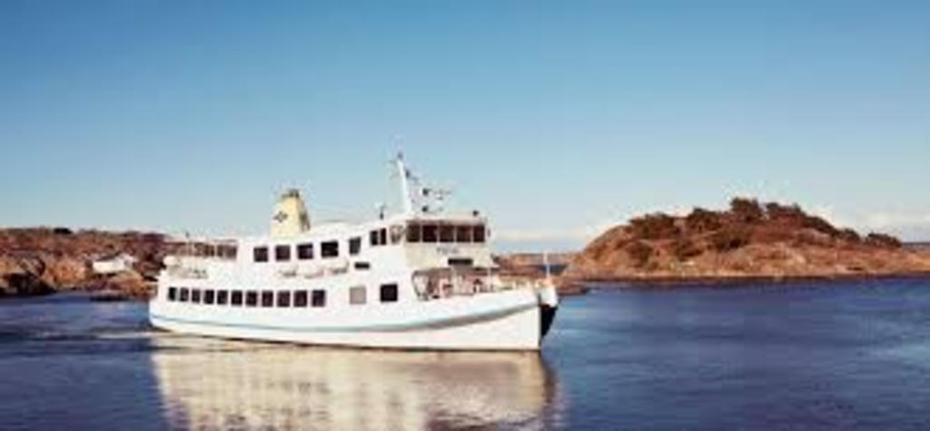 Take the ferries to the southern and northern archipelago of Gothenburg. Very close and easy to reach