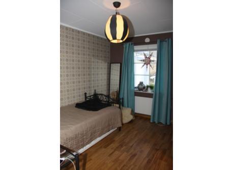 Elins bedroom
