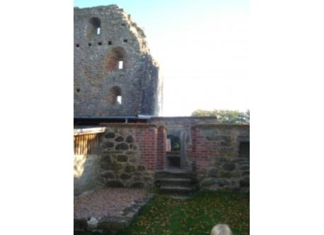 The bishop castle ruin next door