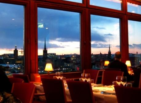 Close to our flat, there is a great restaurant: Eriks at Gondolen. Ask for a window table.