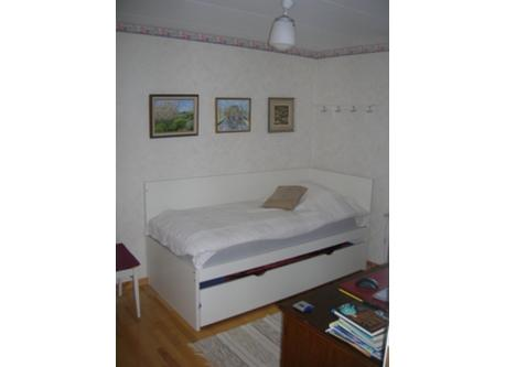 Smaller bedroom downstairs. An extra bed can be pulled out.
