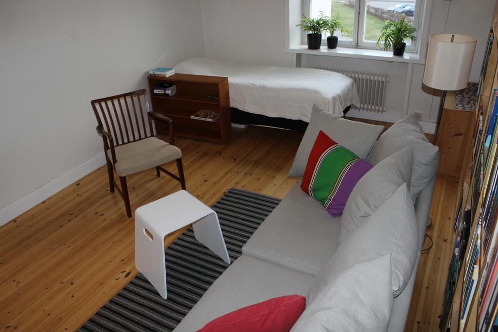 Julia's living room, bed of 120 cm