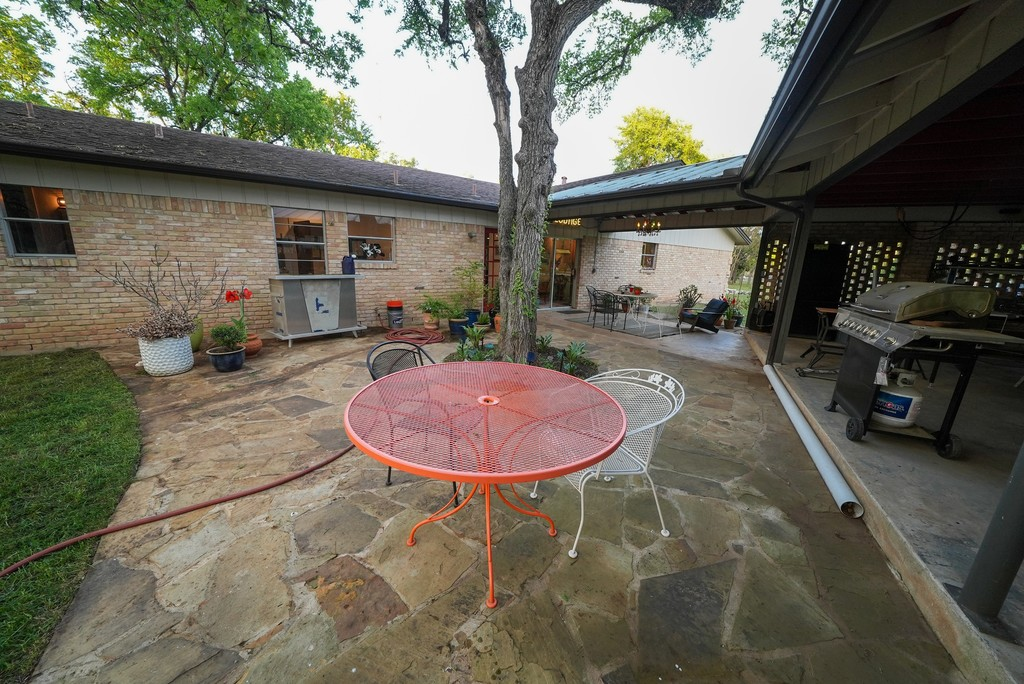 Side Patio with Grill