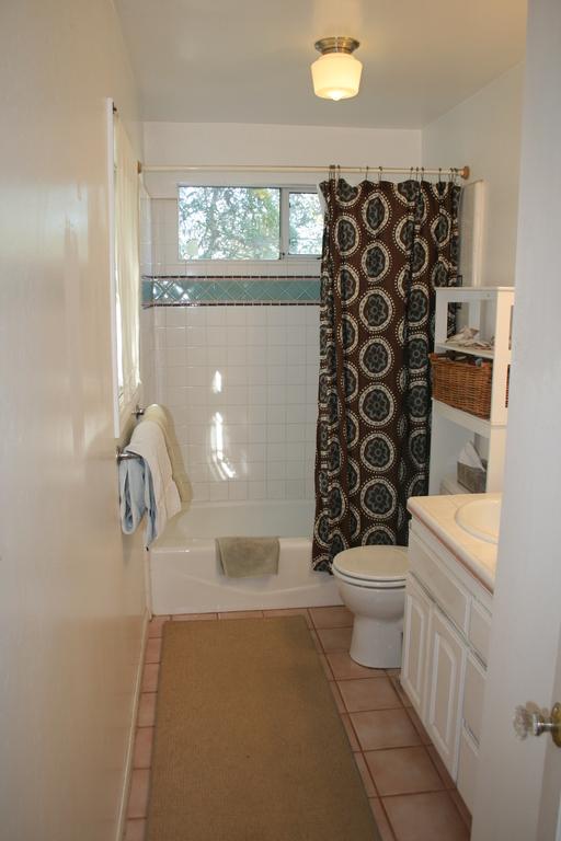 En suite Master full bath
