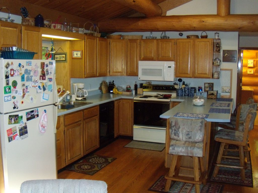 Full kitchen  -- we also have a clothes washer and dryer for your use downstairs.