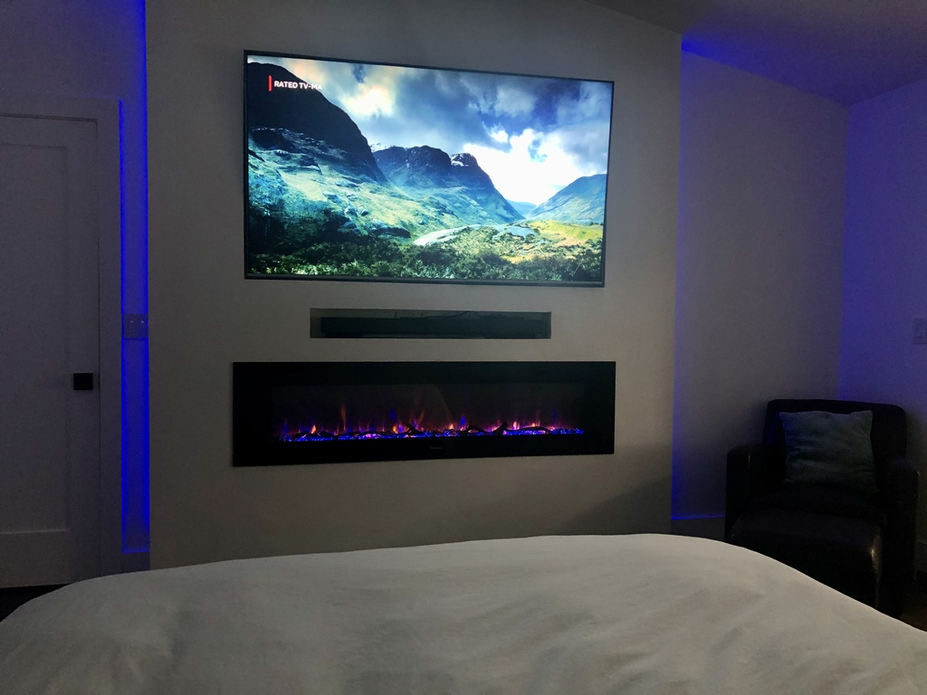 Smart TV with viewing options such as netflix - great for movie night in bed!