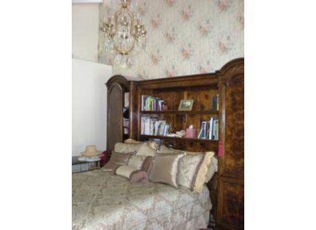 Master Bedroom (Floor 2)