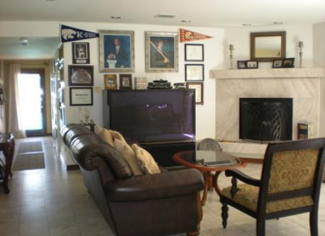 Living Room (Floor 1)
