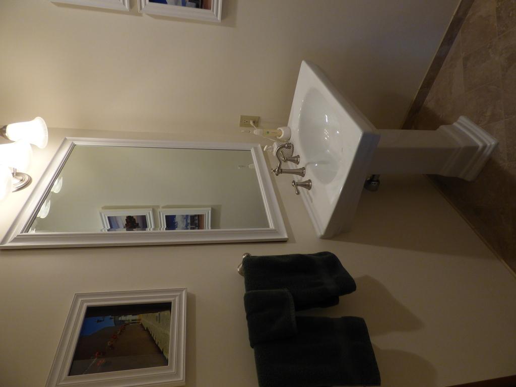 Downstairs. Half-bath View 1
