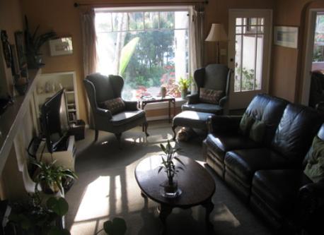 livingroom/dining room area