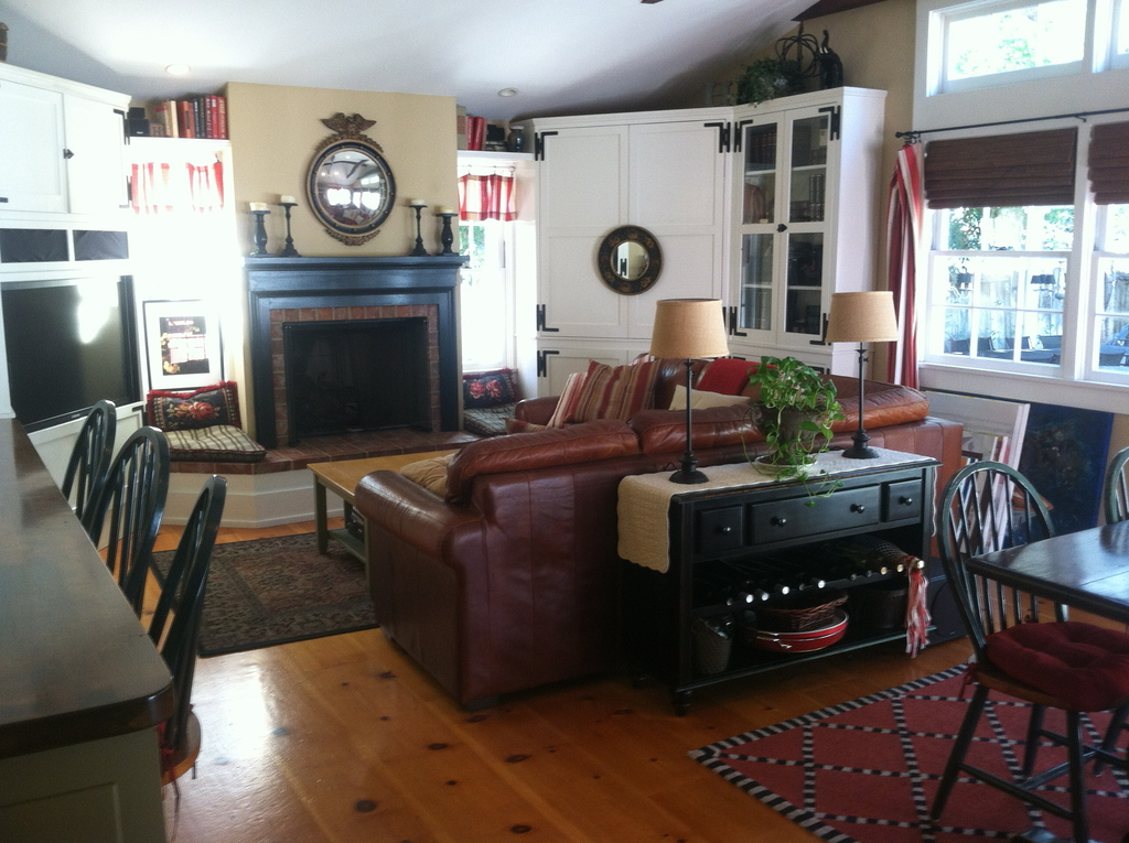 Family room (open concept with kitchen)