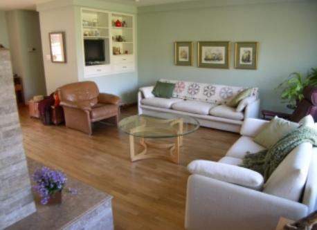 Living Room (TV on left)