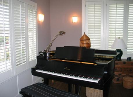 Living room with Steinway piano