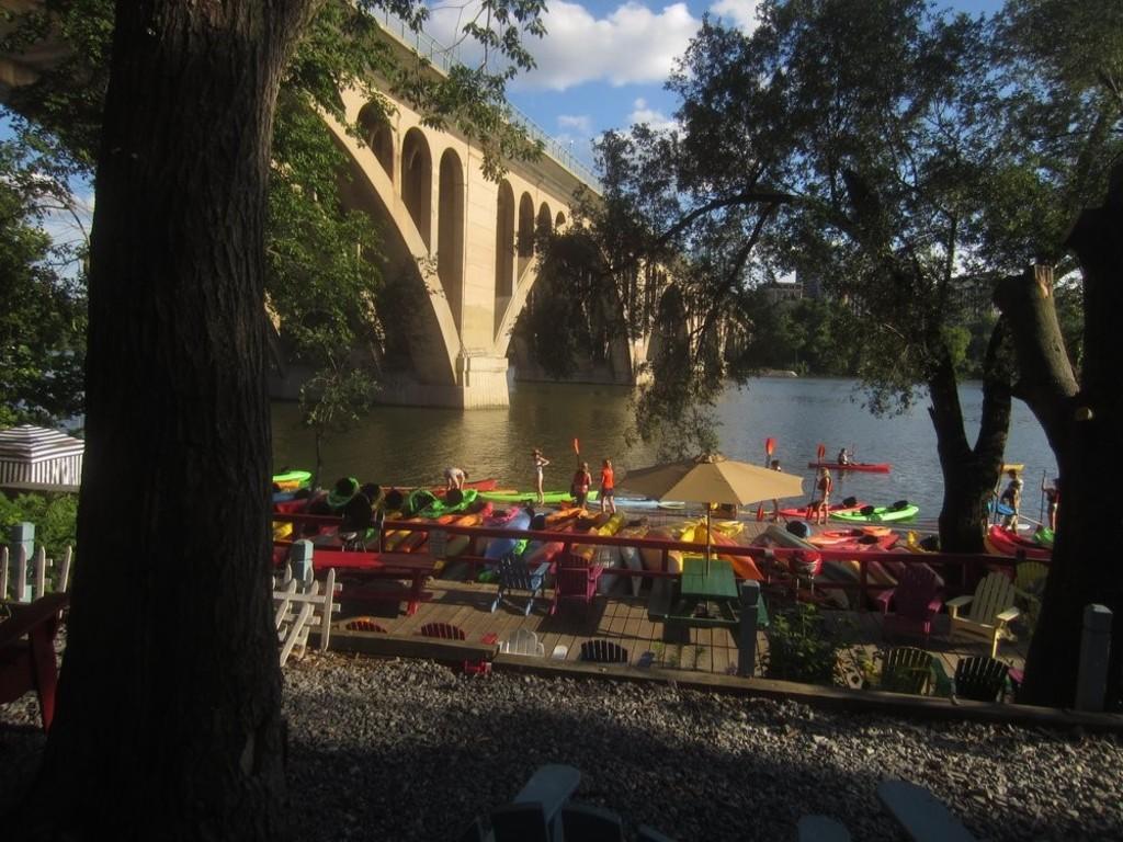Georgetown Boathouse rent canoes, kayacks, paddleboards (6 blocks)
