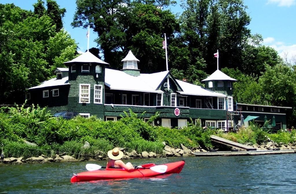 kayacking on Potomac Georgetown