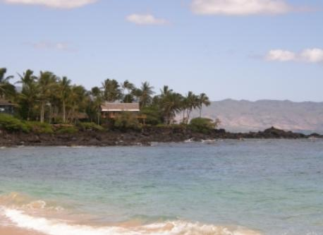 A typical beach scene on Oahu
