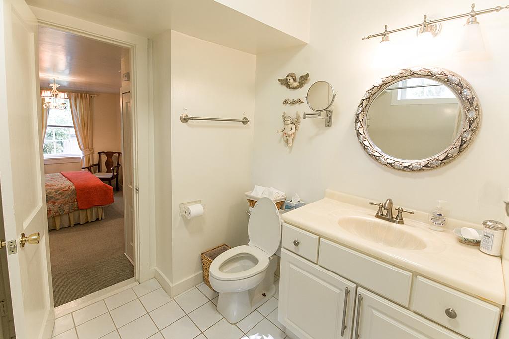 Jack & Jill Downstairs Full Bathroom - New Orleans