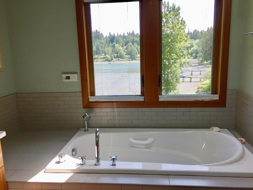 master bath with air jet tub