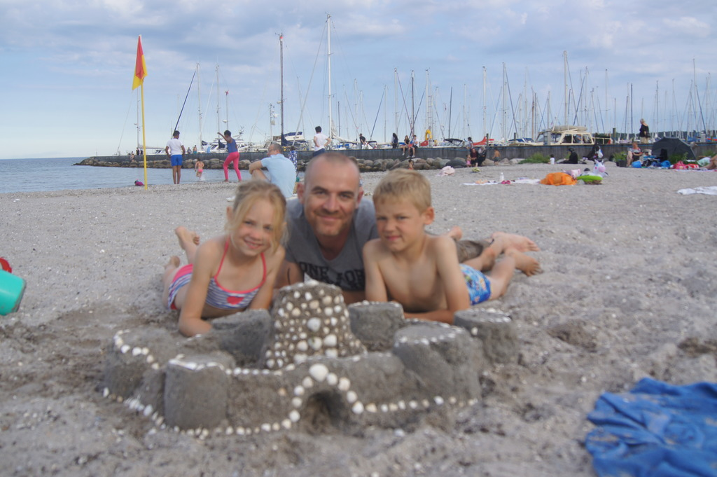 Kids (and dad) having fun at the beach (home exchange - Denmark).