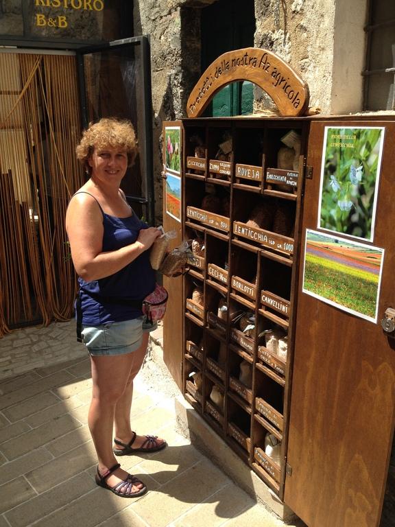 Anja in Italy, Castellucio