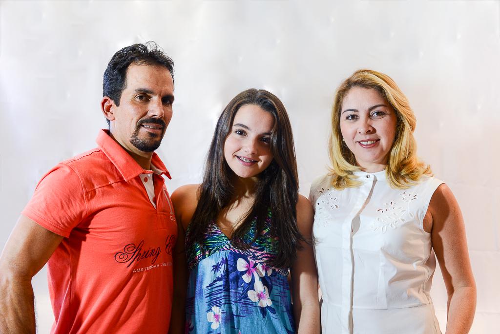 Lúcio, Ester e Renata
