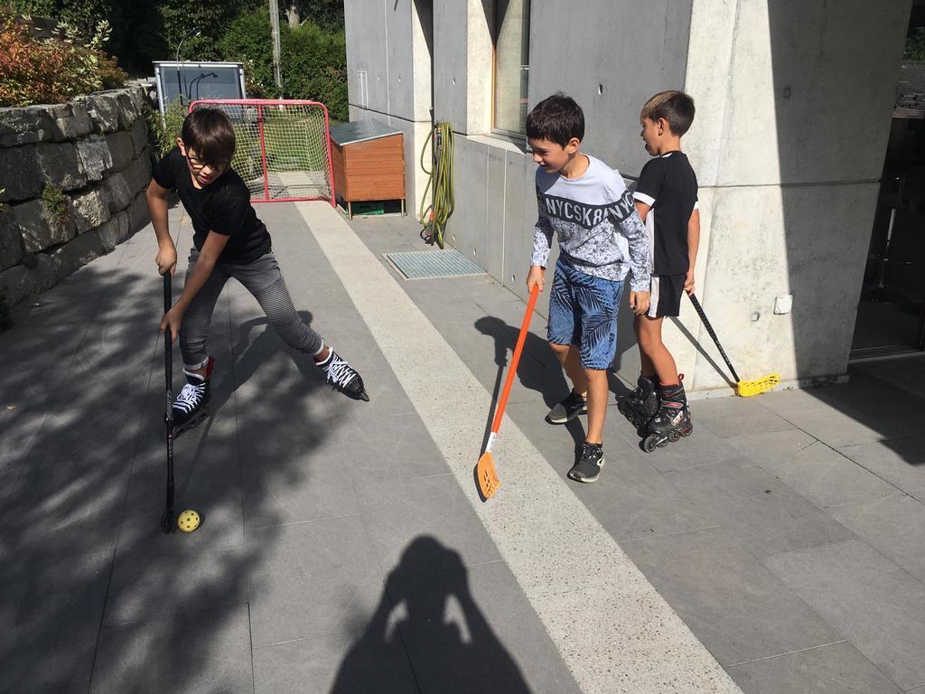street hockey sur la terrasse