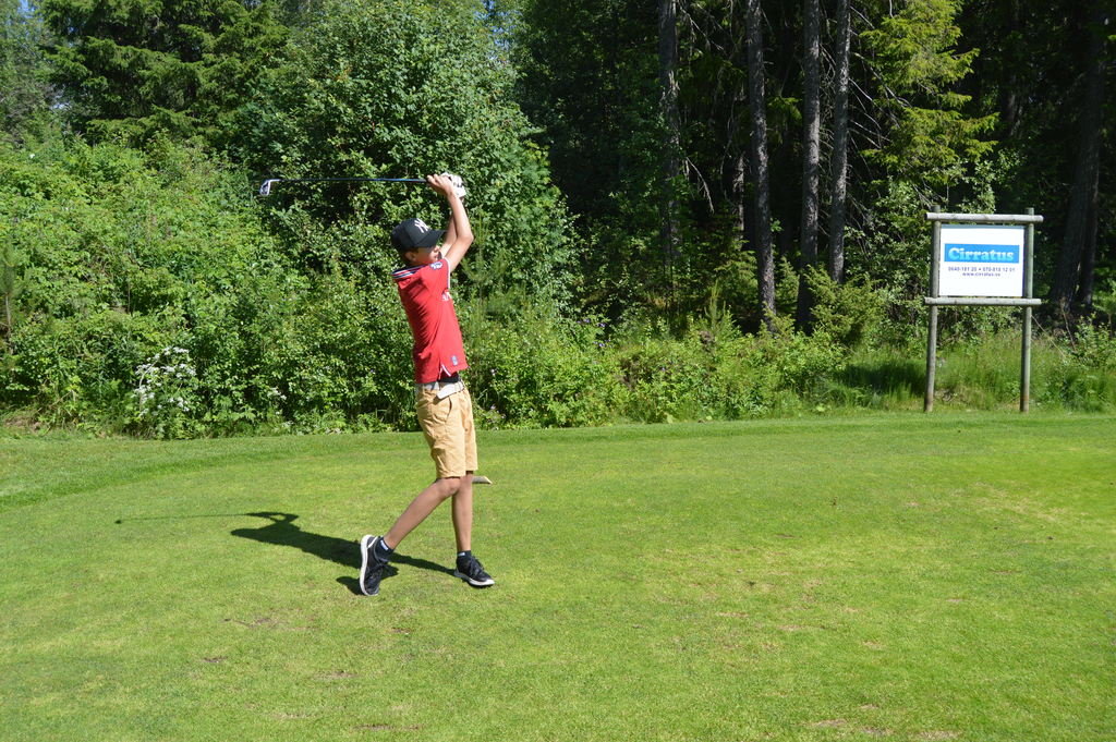 Filip & golf in Sweden