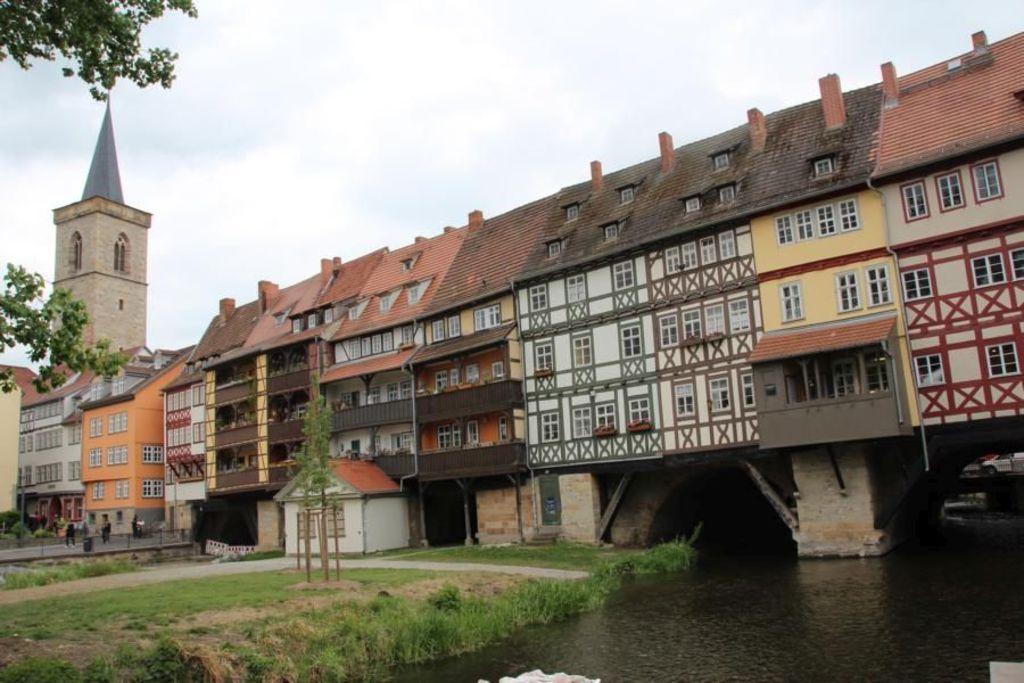 die berühmte Krämerbrücke in Erfurt/ the famous Merchants' Bridge in Erfurt