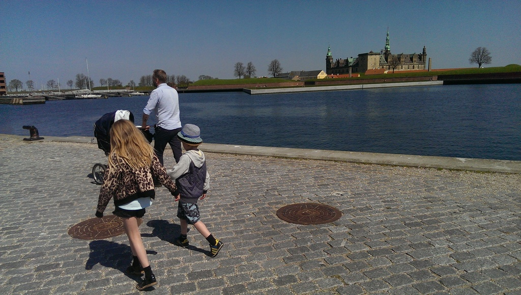 Visiting Kronborg in Helsingør - easy access by bus and train.