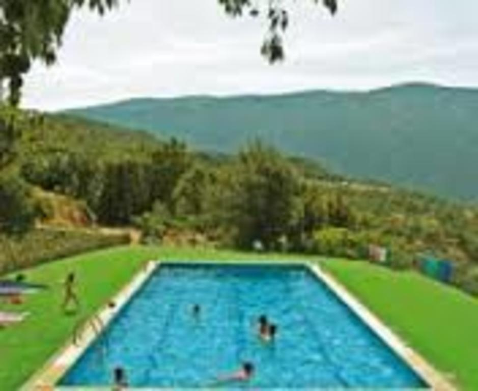 Public swimingpool in Salàs de Pallars (5 minutes walking)