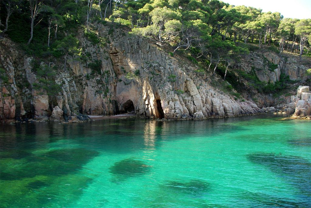 La Costa Brava 1 hour with car or train