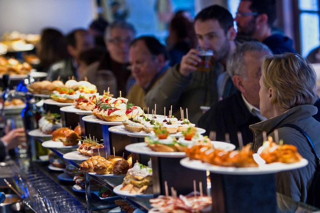 """Basque gastronomy: """"Pintxos"""" in San Sebastian"""