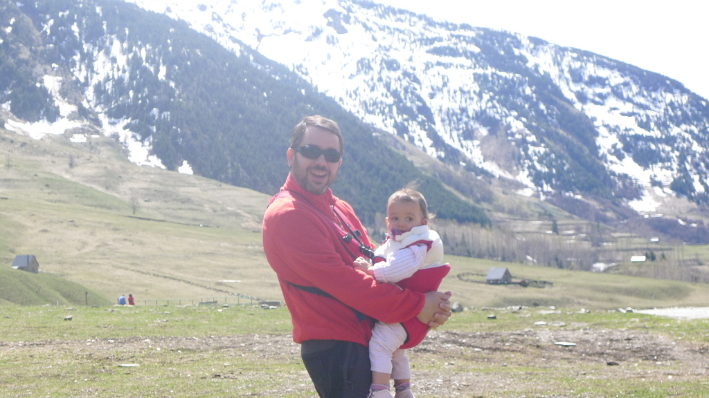 Hiking to Aigüestores National Park in may