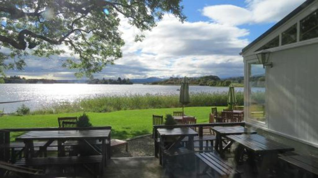 Lake of Menteith and Inchmahome Priory (40 minutes by car)