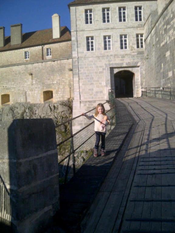 Blathnaid en Suisse et Jura quand elle avait 5 ans.