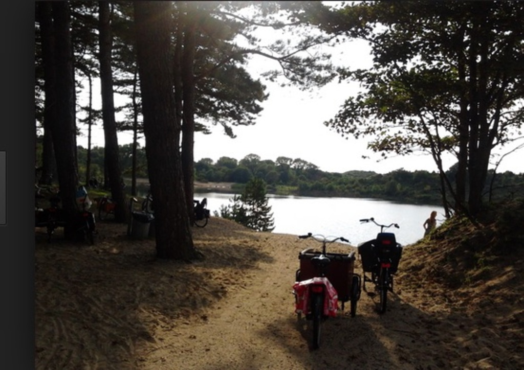 Great for a swim and picknick the 'Oosterplas' 15 min by bike. And its sweet water!