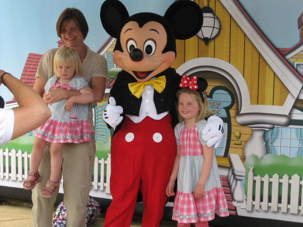 The girls at Disneyland i 2012