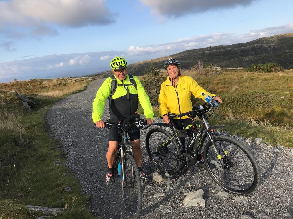Biking around Bergen mountains