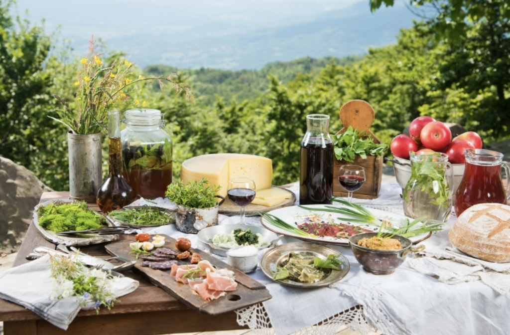 Slovenian farm products and home-made dishes
