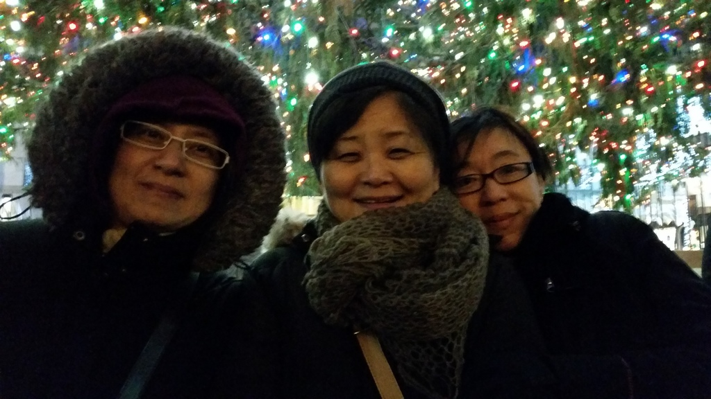 Christmas at Rockefeller Center with the Girls