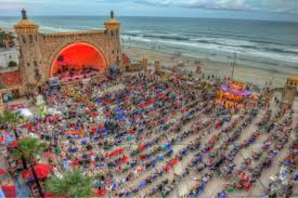 Free Summer Concerts at the Beach